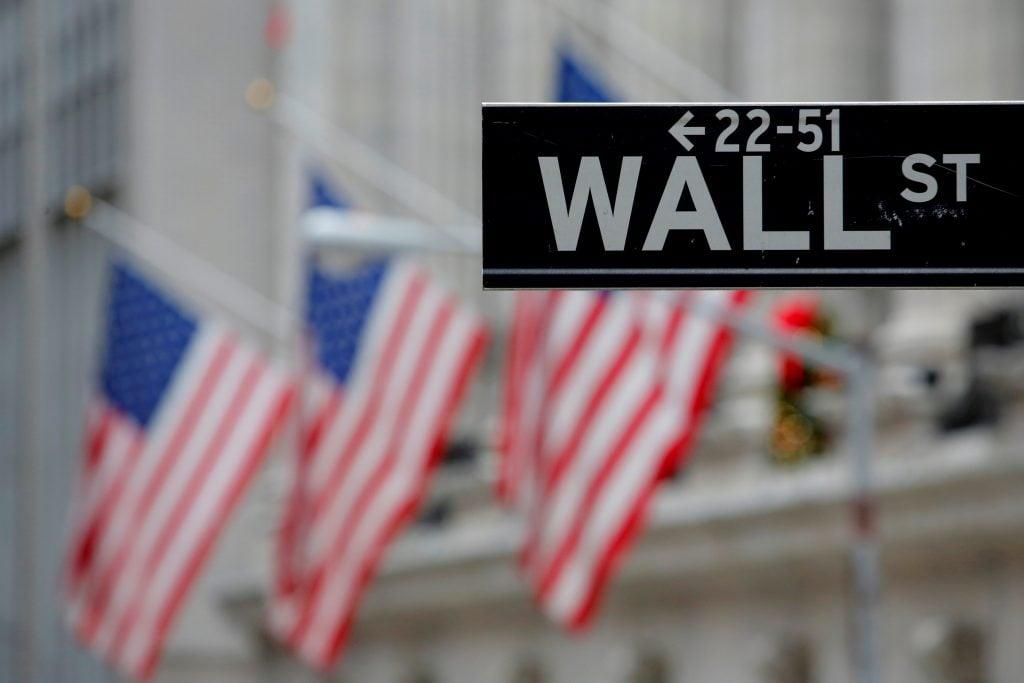 Wall Street al alza sin importar los escándalos