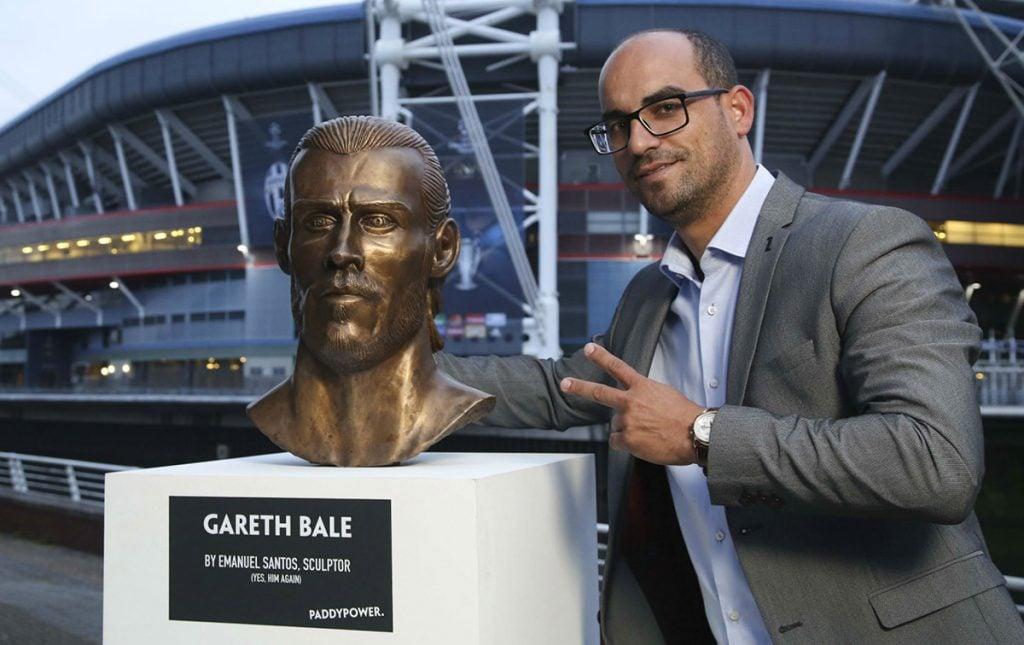 FOTO @paddypower. El escultor adelantó que también hará el busto de Sergio Ramos.