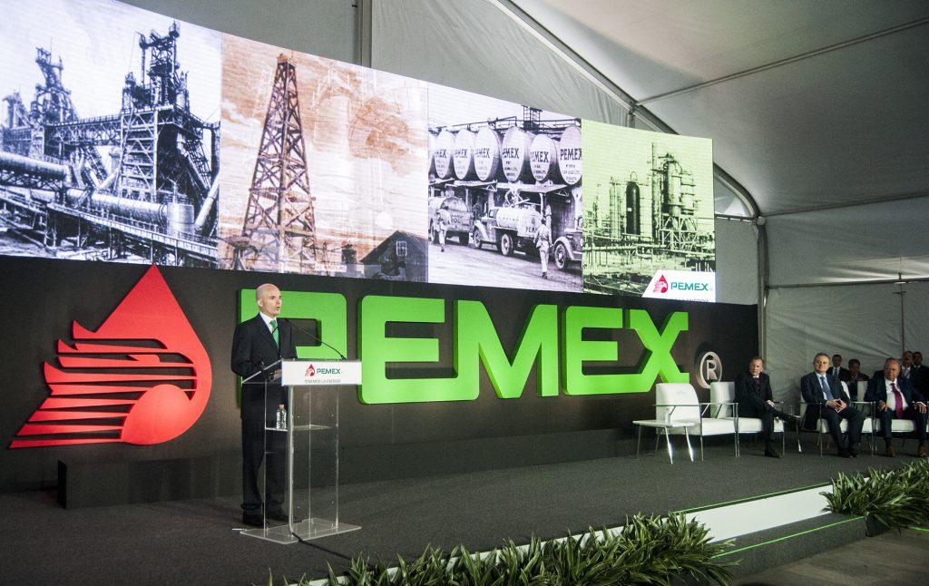 Denuncian a dos funcionarios de Pemex por enriquecimiento ilícito