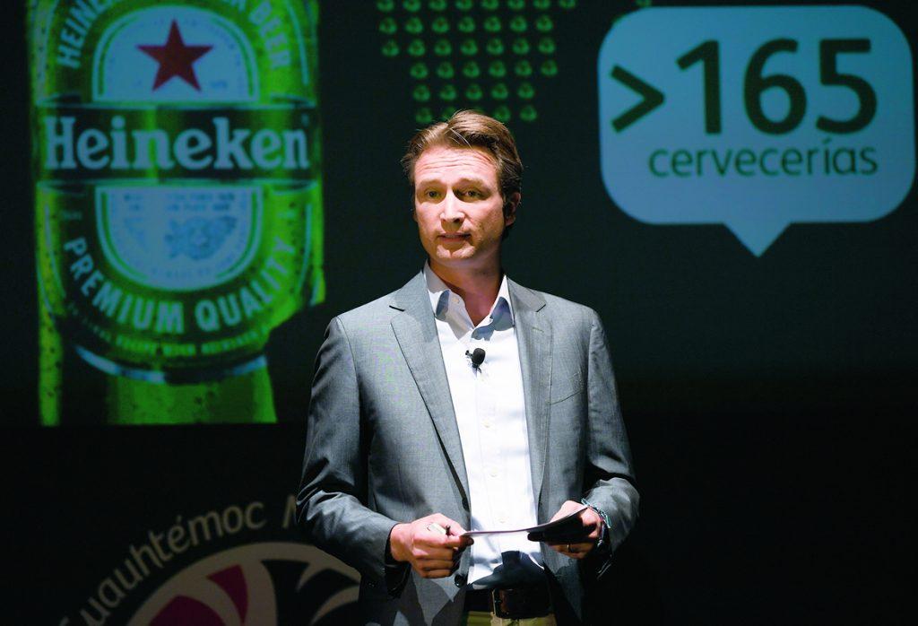 El Heraldo de México. Dolf van den Brink, director general de Cuauhtémoc Moctezuma Heineken. Foto: Pablo Salazar