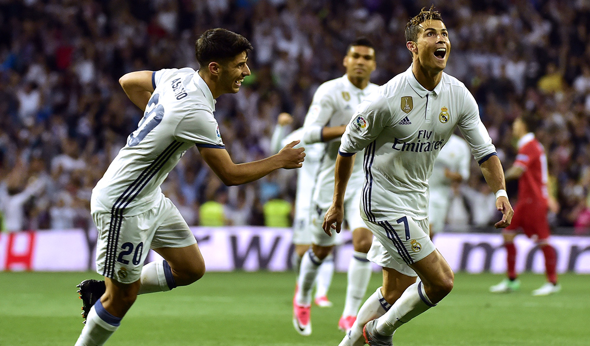 FOTO AFP. El Madrid necesita ganar 4 de 6 puntos posibles para ser campeón