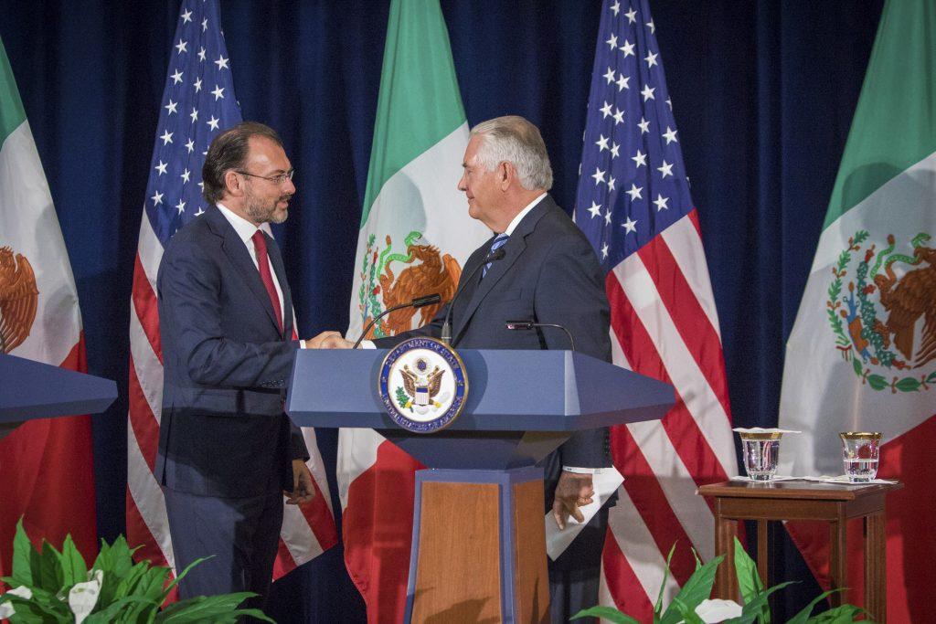Luis Videgaray, Secretario de Relaciones Exteriores; Miguel Ángel Osorio Chong, secretario de Gobernación, se reunieron con los secretarios de Estado de los Estados Unidos, para hablar sobre el proceso de renegociación del Tratado de Libre Comercio de América del Norte. FOTO: CUARTOSCURO