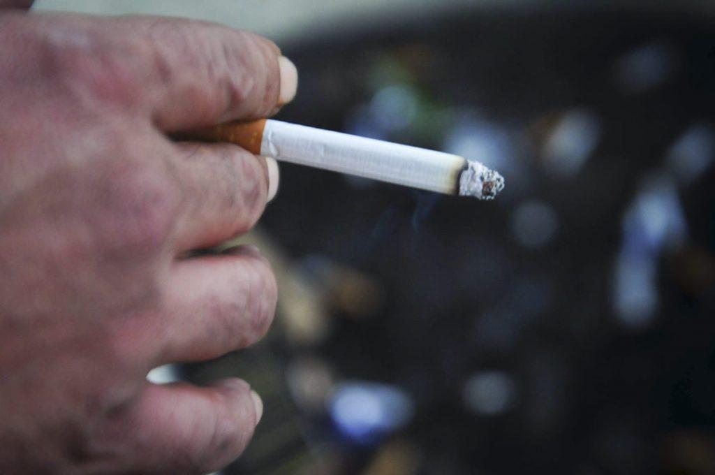 El consumo de tabaco ocasiona la muerte de más de cinco millones de personas