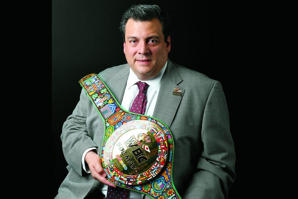 FOTO SAÚL MOLINA. El cinturón sería entregado al ganador del combate del pasado 5 de mayo