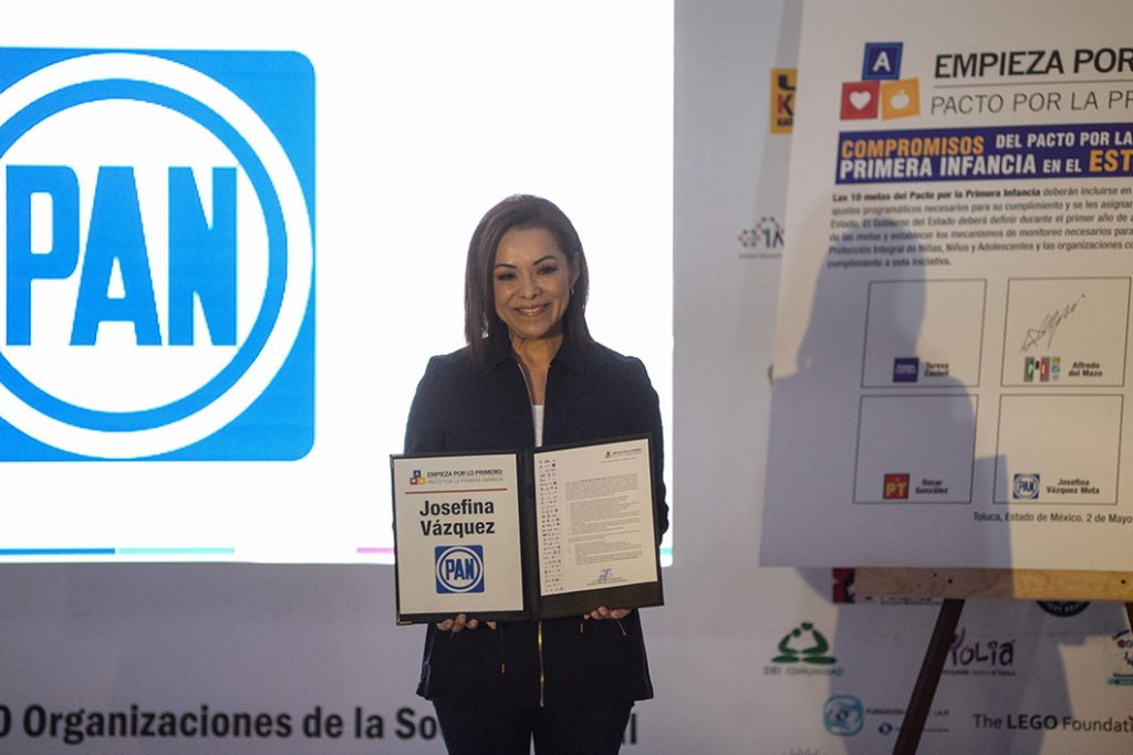 La candidata del PAN Josefina Vázquez Mota firmó el Pacto por la Primera Infancia. FOTO: CUARTOSCURO.COM