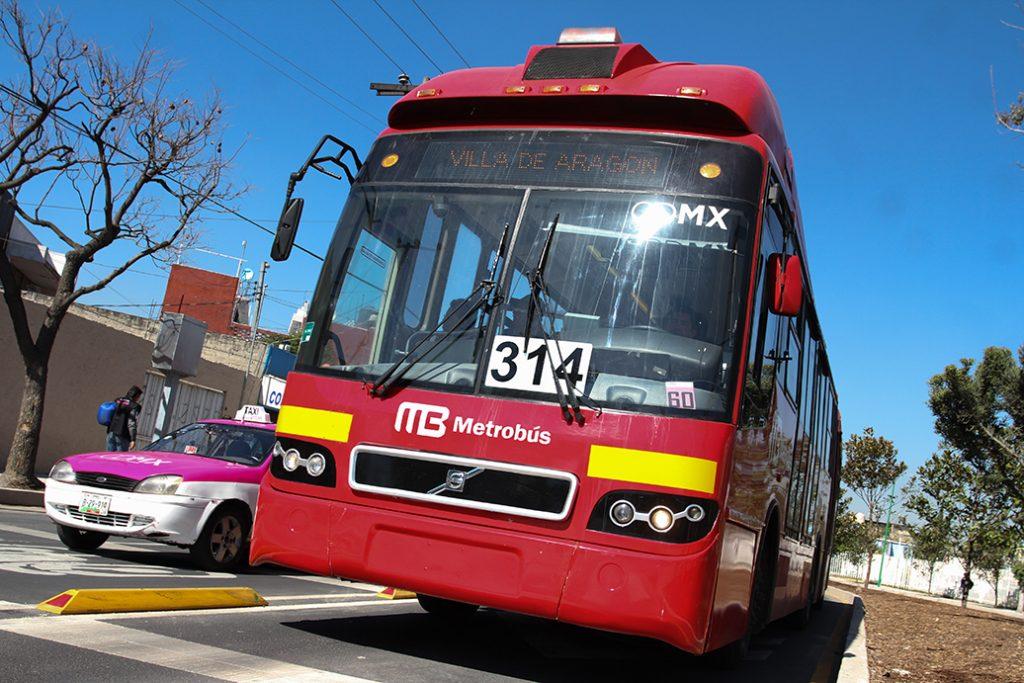 Los horarios de cierre de Metrobús serán: el día 4, de 14:00 a 20:30 horas; el 5, de 8:30 a 21:00 horas; y el 6, de 14:00 a 21:00 horas. FOTO: CUARTOSCURO.COM
