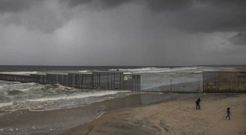 Muro fronterizo. Foto: Cuartoscuro