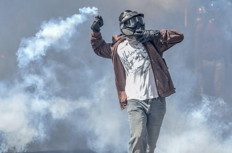 Tras dos meses de protestas que dejan 60 muertes en Venezuela, la oposición no sólo no ha logrado su objetivo