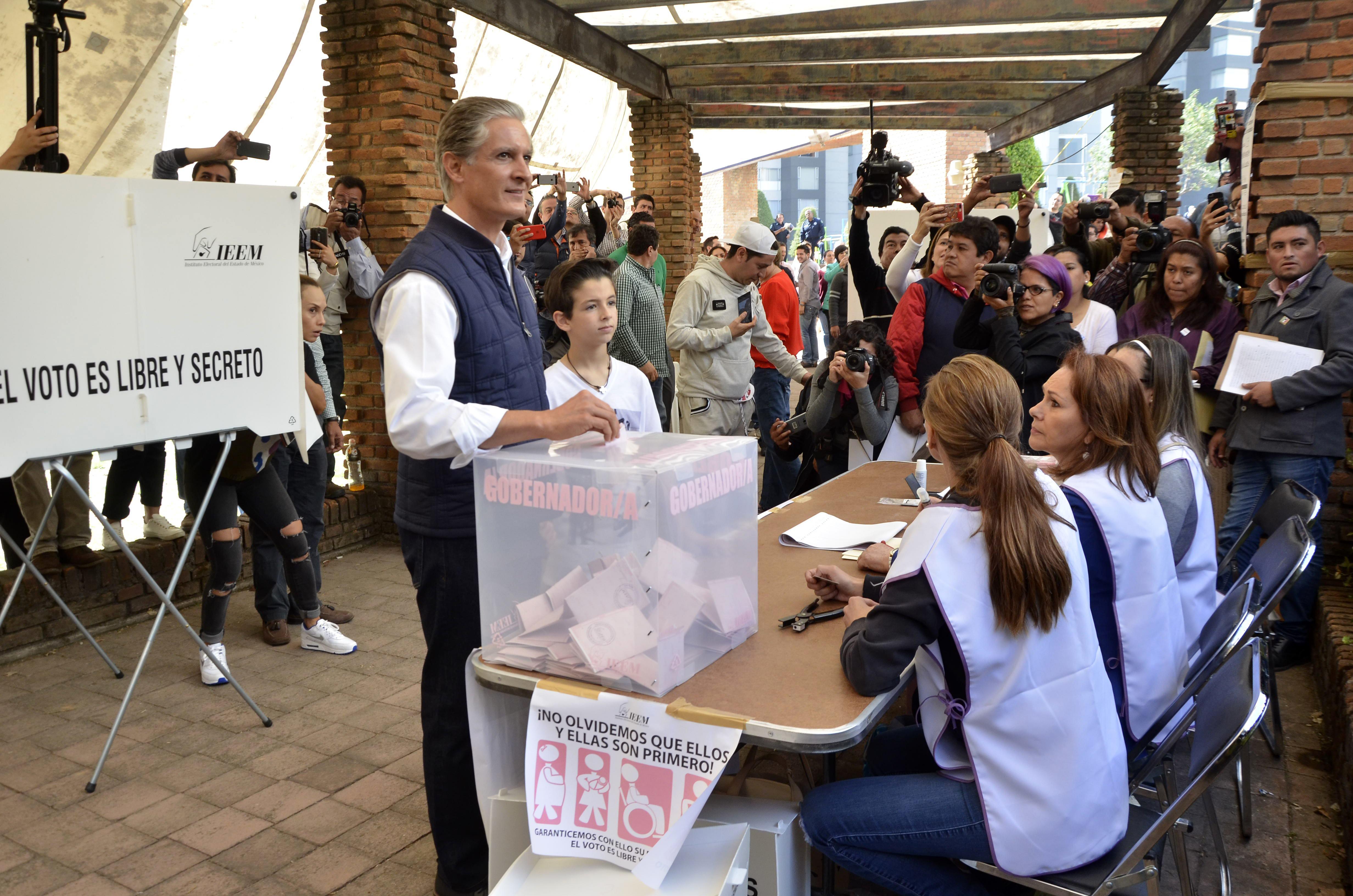 Alfredo del Mazo, elecciones 2017. / AFP PHOTO / JUAN HERNANDEZ MERCADO