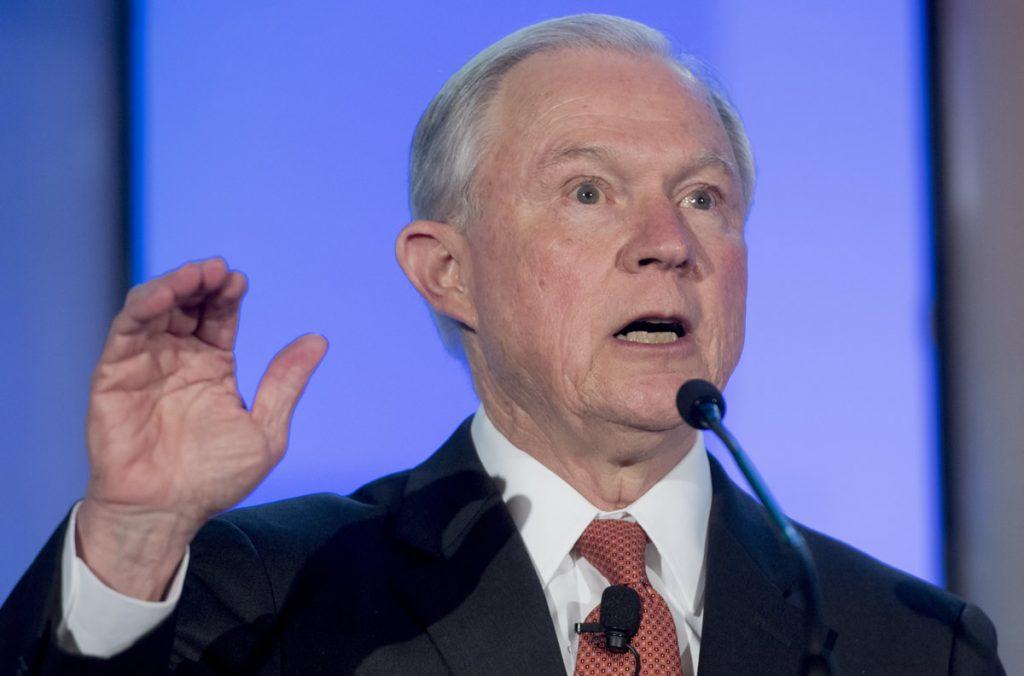 Sessions, fiscal general de EU testificará sobre la trama rusa