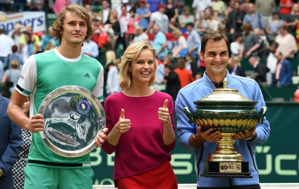 Roger Federer, Alexander Zverev y Eva Herzigova. @AFP Carmen Jaspersen.