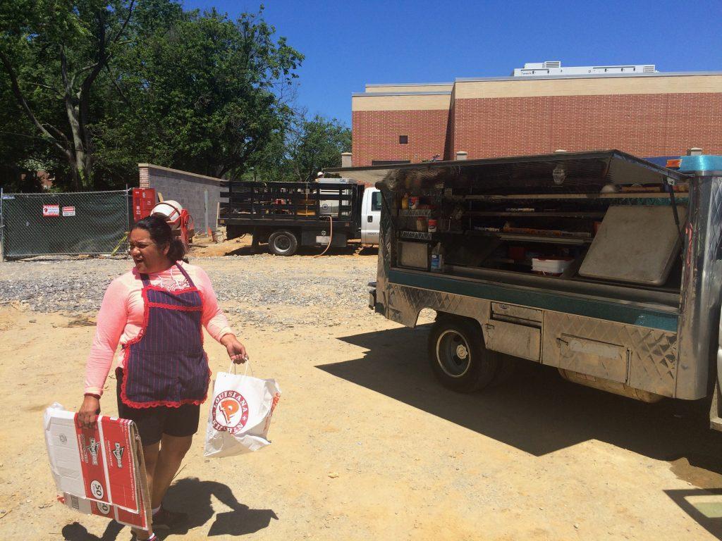 Nancy Vázquez, ciudadana salvadoreña con un permiso temporal para trabajar en EU. FOTO: AP/Luis Alonso Lugo