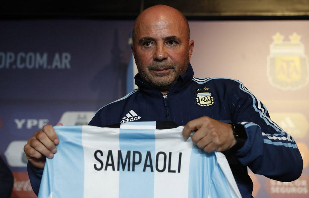 FOTO EFE. El extécnico de Chile y el Sevilla español estará cumpliendo un sueño de su carrera.