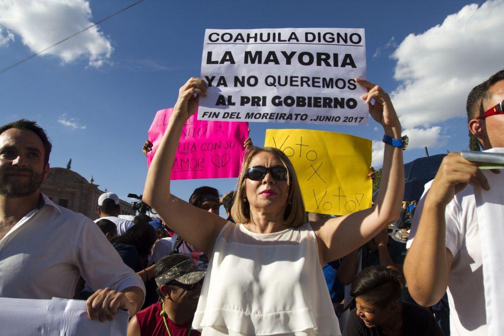 Marcha en Coahuila, previo a los resultados oficiales de las elecciones del pasado 4 de junio en el estado. FOTO: GABRIELA PÉREZ MONTIEL /CUARTOSCURO.COM