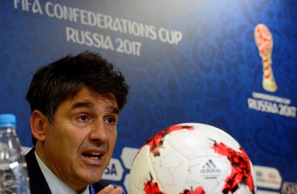 FOTO AFP. Massimo Busacca, Jefe del Departamento de Arbitraje de FIFA dio a conocer las novedades para el torneo ruso.
