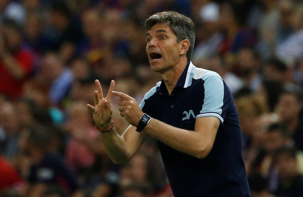 FOTO REUTERS. El argentino dirigía al Alavés español.