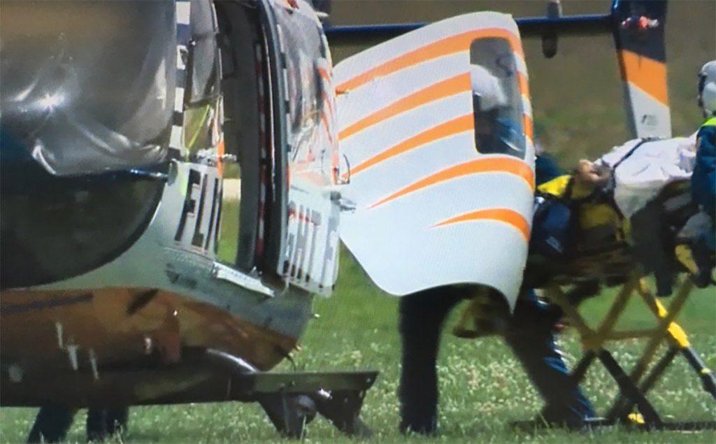 FOTO @@noozdude1. Versiones de testigos aseguran que el piloto saltó en paracaídas.