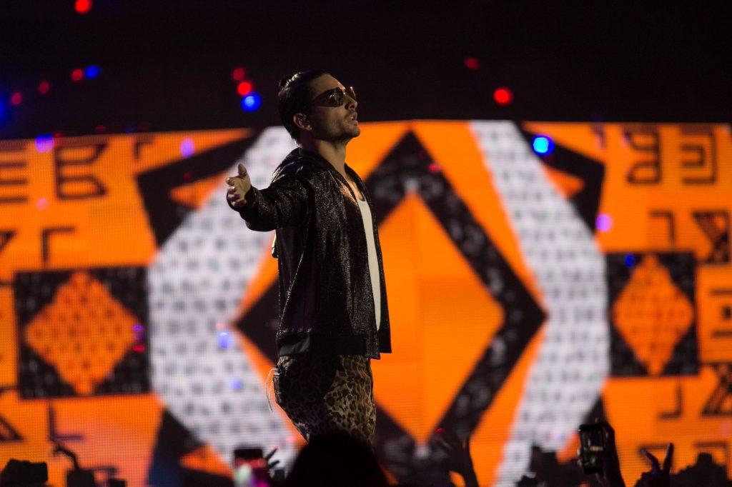 El artista colombiano de reggaetón, Maluma, durante su presentación en los MTV MIAW 2017, la noche de ayer, en el Palacio de los Deportes. FOTO: GALO CAÑAS /CUARTOSCURO.COM