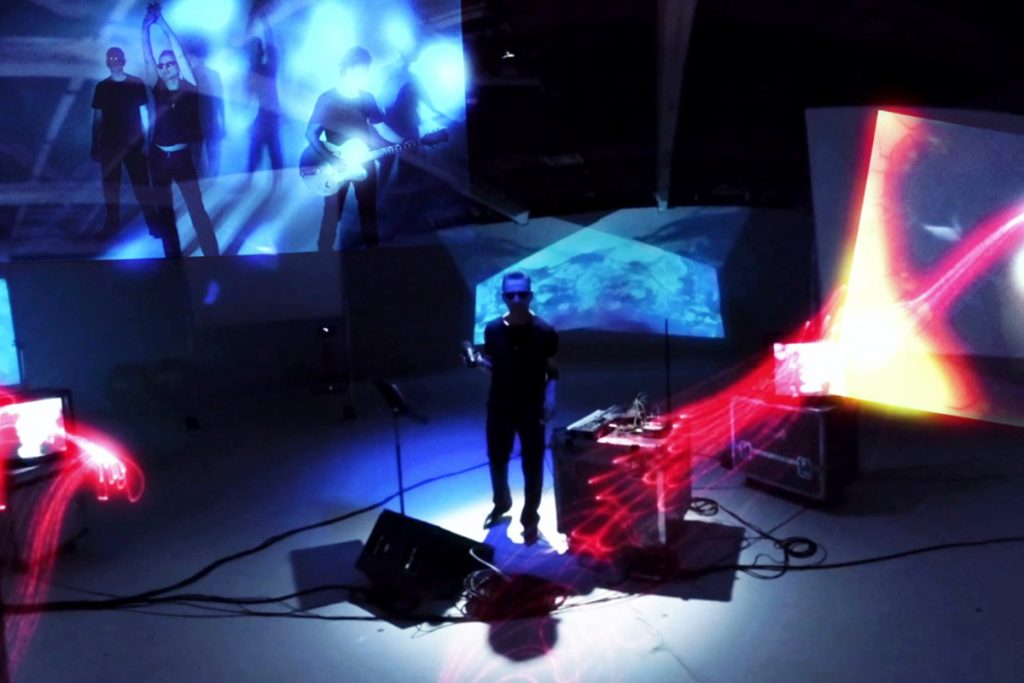 Depeche Mode prueba tecnología 360º con su video para Going Backwards
