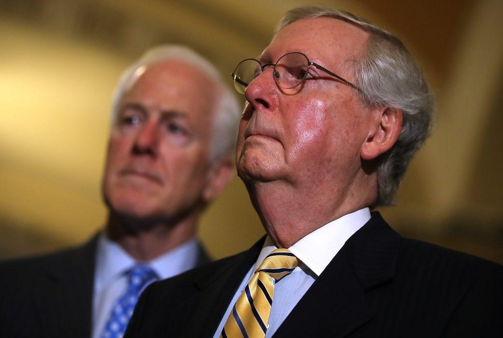 El líder de la mayoría del Senado, el republicano Mitch McConnell. AFP.