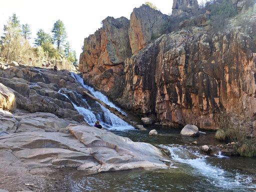 Parque Ellison Creek de Arizona, donde vacacionaba la familia que fue arrastrada por el torrente del río. AP/Clarice Silber