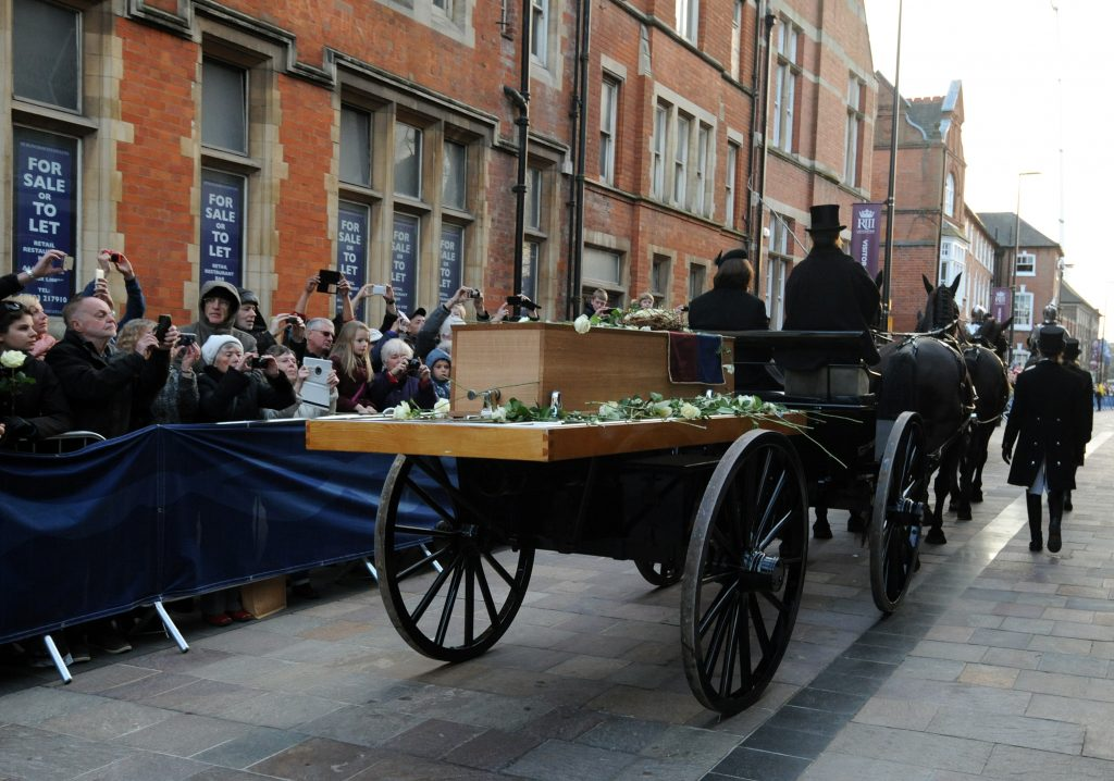 Ataud con los restos de Ricardo III. @AP