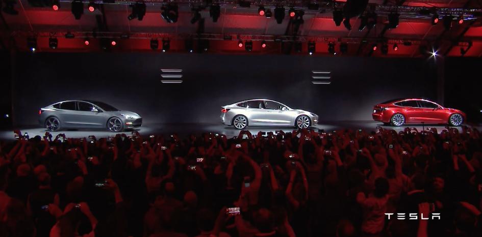 """Elon Musk, Tesla inicia esta semana la producción de su """"Model 3"""""""