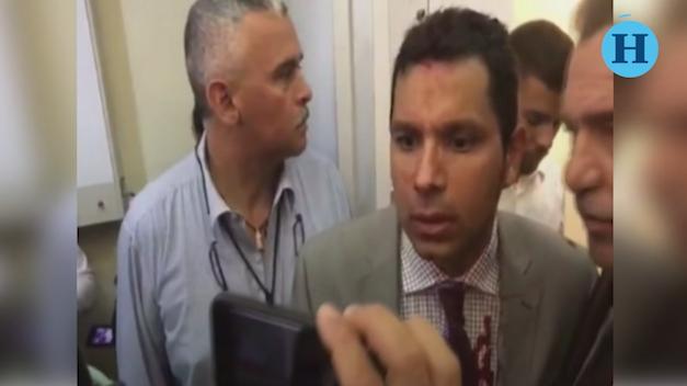 Grupos chavistas irrumpen en Asamblea de Venezuela