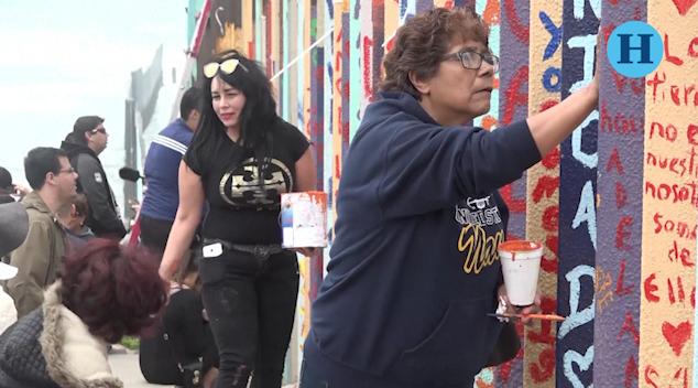 """Muro fronterizo se convierte en """"Mural de la Hermandad"""""""