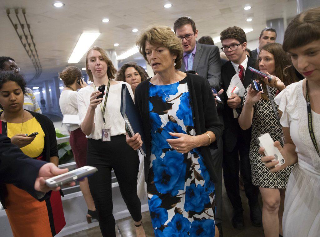 La senadora Lisa Murkowski fue criticada por el presidente Donald Trump por haber votado en contra de la derogación del Obamacare. FOTO: AP Photo/J. Scott Applewhite