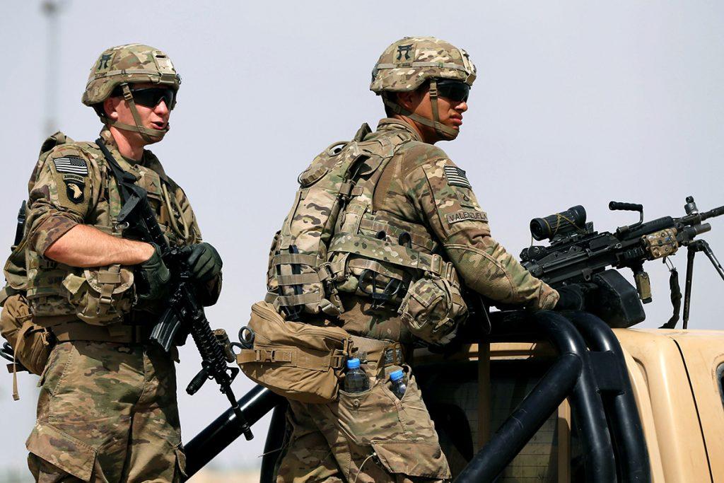 Tropas estadounidenses hacen guardia en Afganistan. Foto: Reuters