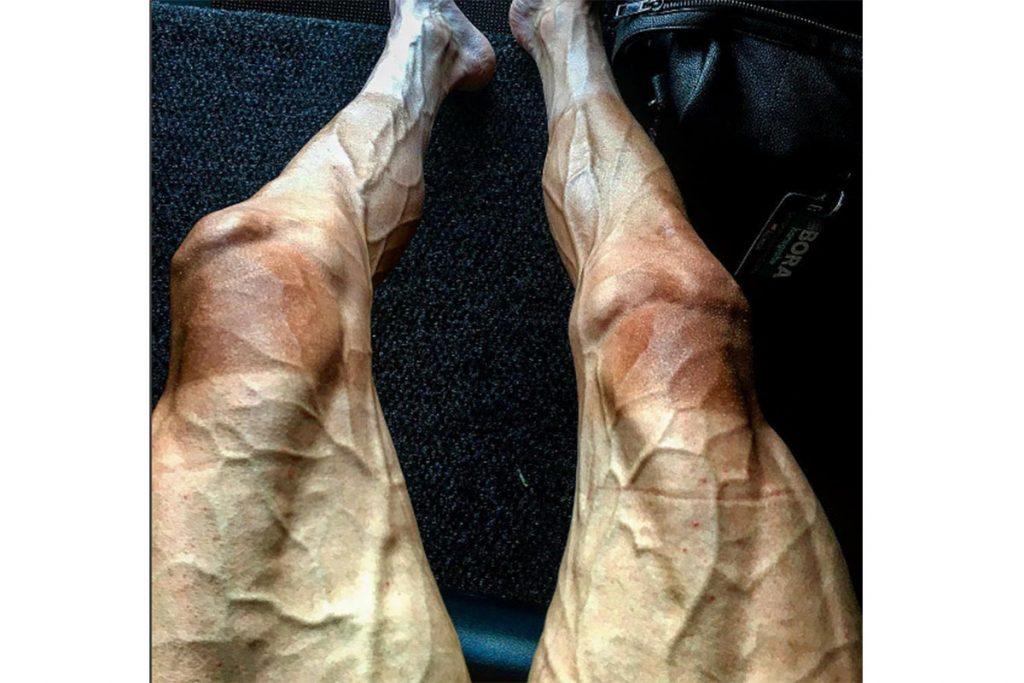 Pawel Poljanski encendió las redes con una imagen de sus piernas
