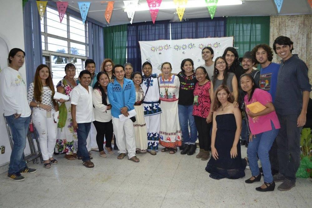 Jóvenes luchan por preservar la cultura de las comunidades indígenas