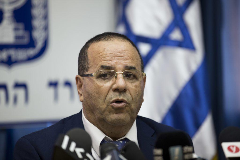 El ministro de comunicaciones de Israel, Ayoob Kara, durante una conferencia de prensa donde se aborda el tema de Al Jazeera. @AP