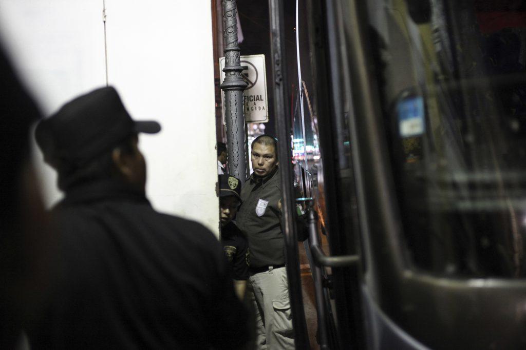 Migrantes rescatados en Veracruz. @AP