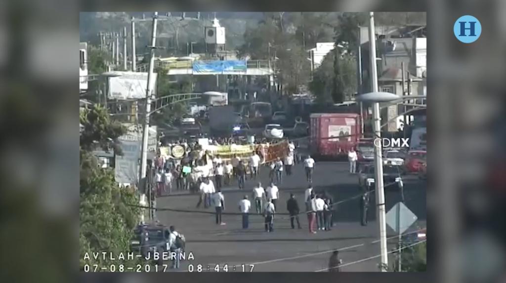 Mototaxistas exigen ser regularizados en Tláhuac