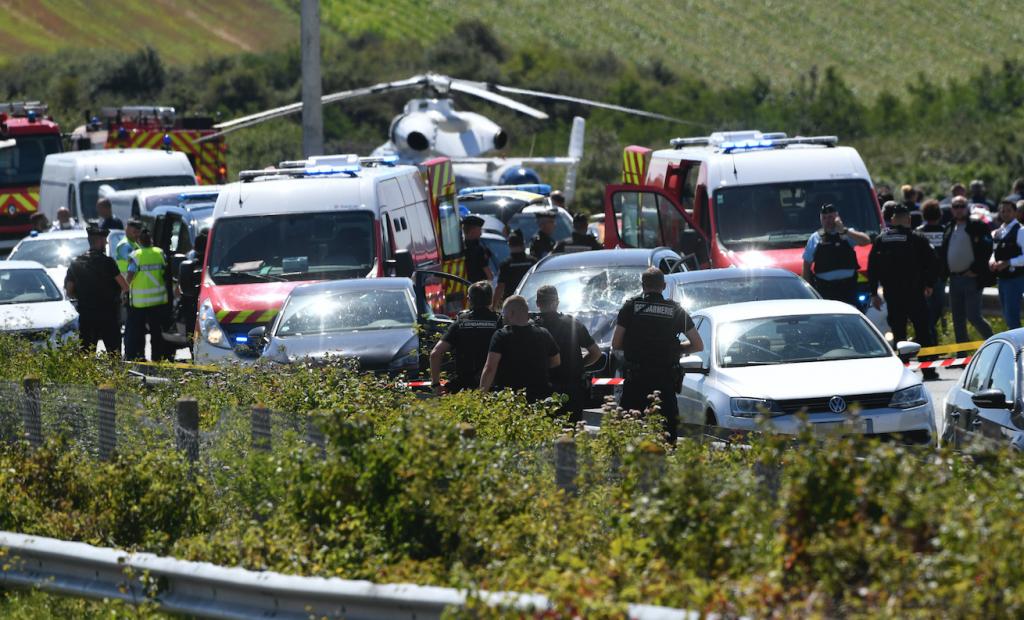 Captura de sospechoso en ataque a militares a las afueras de París. @AFP