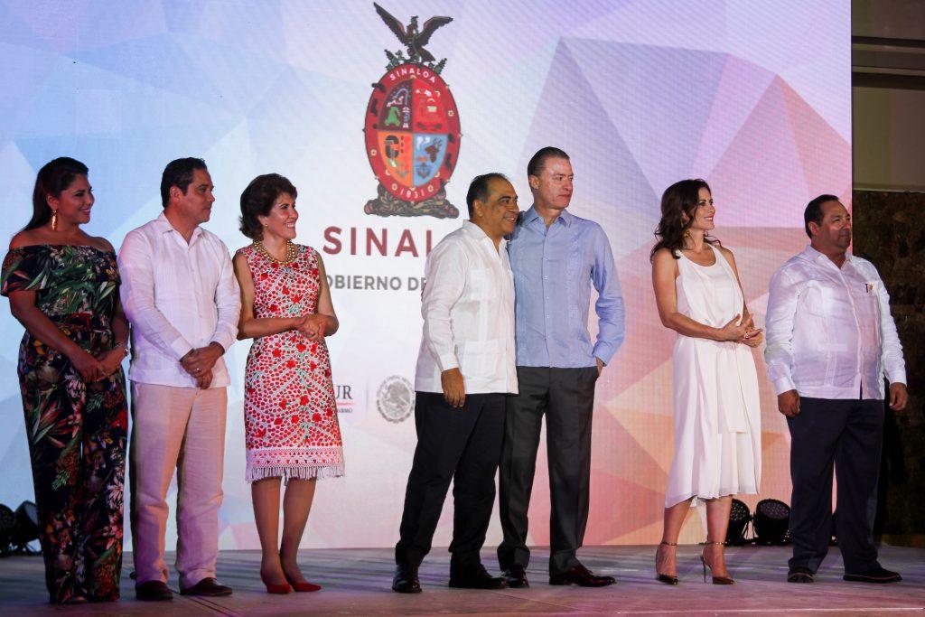 Clausura Tianguis Turístico de Acapulco; el gobernador de Sinaloa Quirino Ordaz Coppel recibe la estafeta. @Cuartoscuro.com.mx