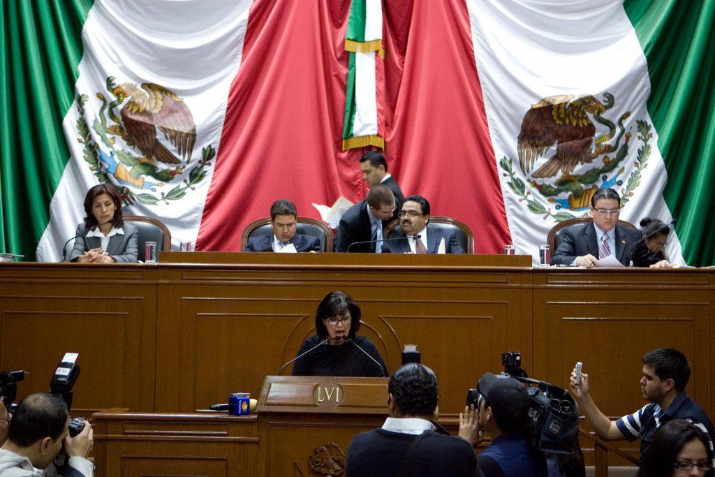 En Querétaro, laboran mucho; legislan poquito en Congreso