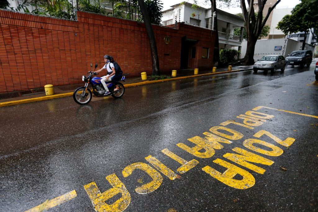 Embajada de España en Caracas. FOTO: REUTERS/Andres Martínez Casares