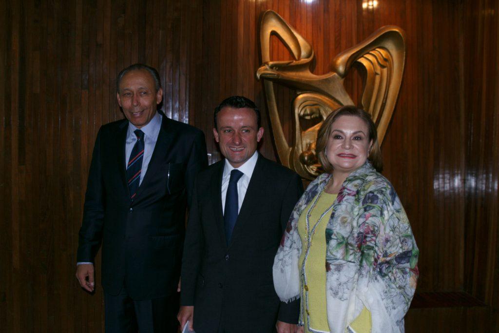 José Reyes Baeza, director del ISSSTE; Mikel Arriola, director del Instituto Mexicano del Seguro Social (IMSS), y Arely Gómez, secretaria de la Función Pública, durante la presentación
