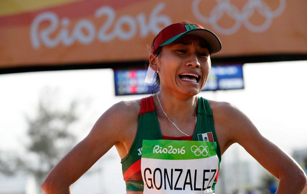 Lupita González, la subcampeona olímpica y mundial en caminata de 20 km reconoce que le inquieta la máxima distancia, que ahora ha sido autorizada para mujeres.