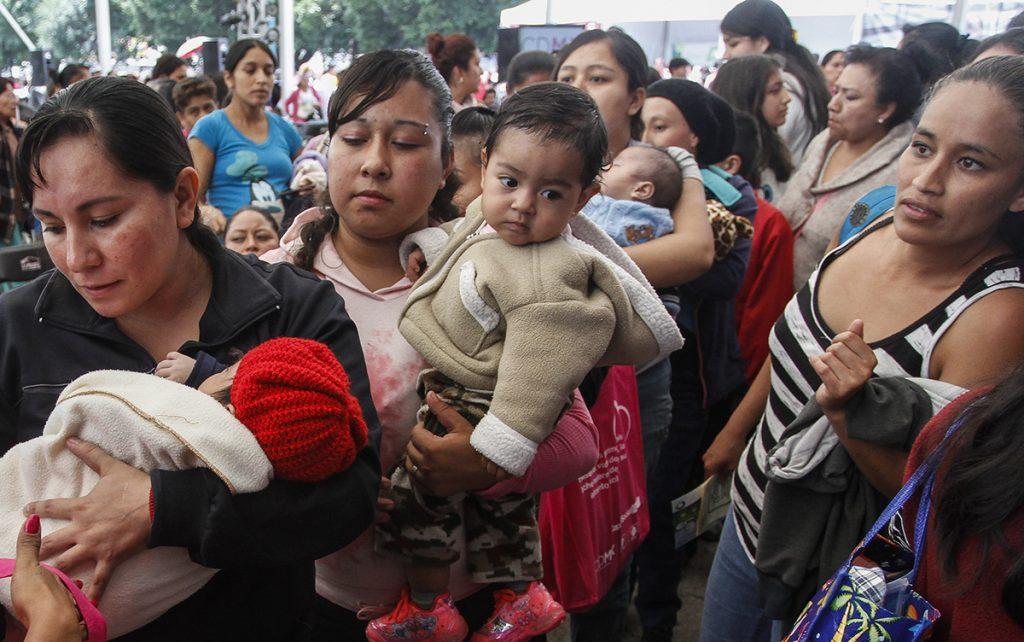 Ricos o pobres, países fallan en el apoyo a la lactancia materna: ONU