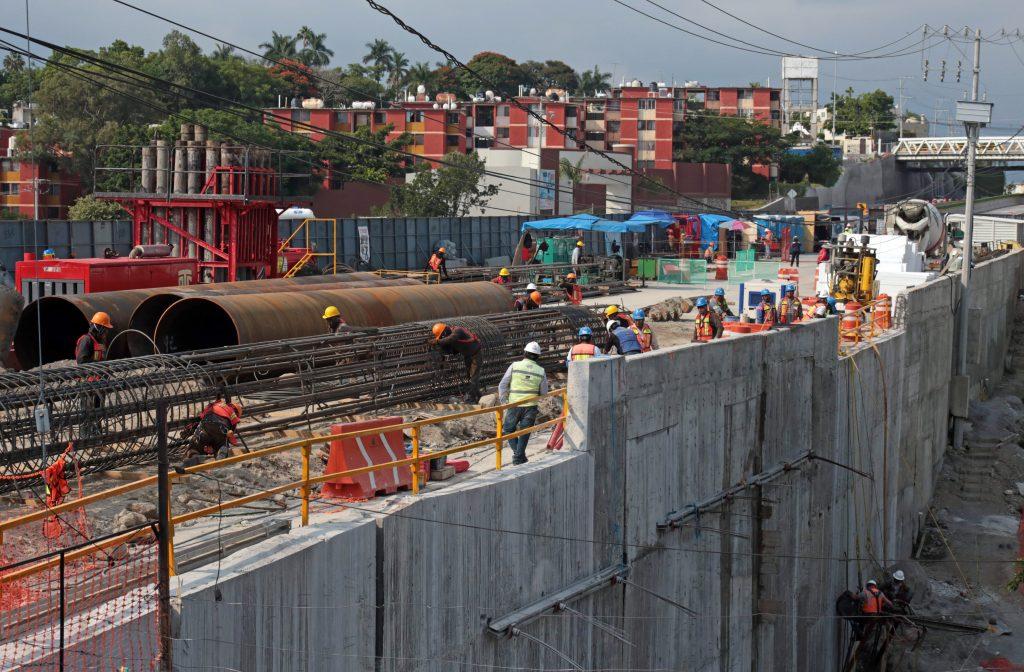 Trabajos de remodelación en el km 93 Paso Exprés Cuernavaca Morelos. @Cuartoscuro.com