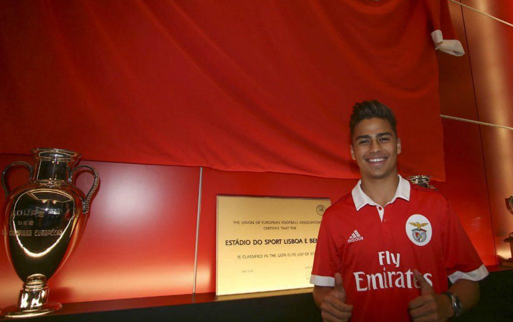 El Benfica portugués oficializó la contratación del juvenil mexicano Paolo Medina, procedente de las fuerzas inferiores del Real Madrid.