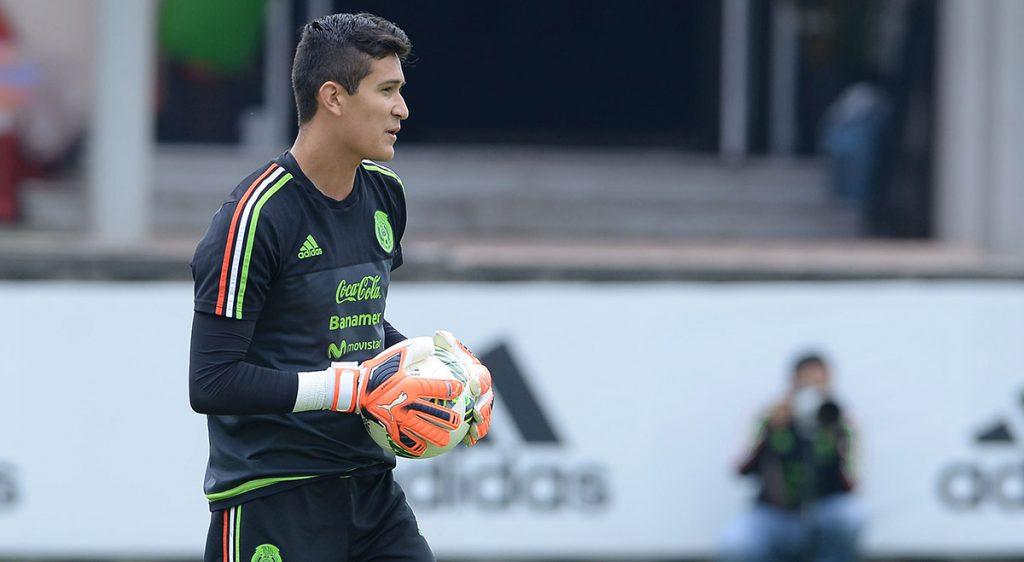 El portero mexicano Raúl Guiño fue cedido por el Porto al campeón de Chipre, con el que disputará la Champions League.