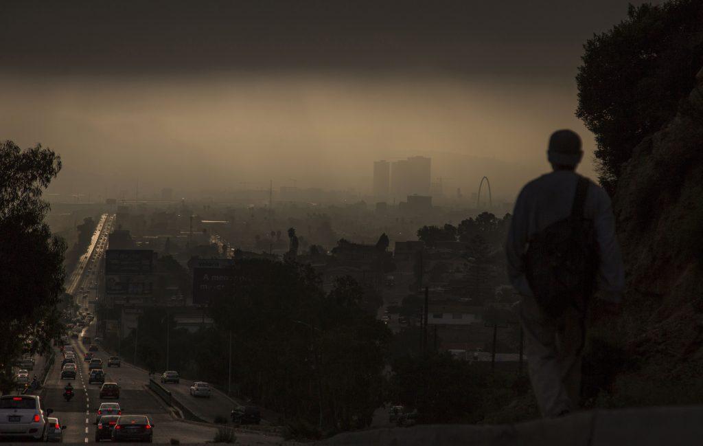 Amanecer del 29 de agosto en la ciudad de Tijuana, en Baja California, entidad que espera la llegada de la tormenta 'Lidia'. FOTO: CUARTOSCURO