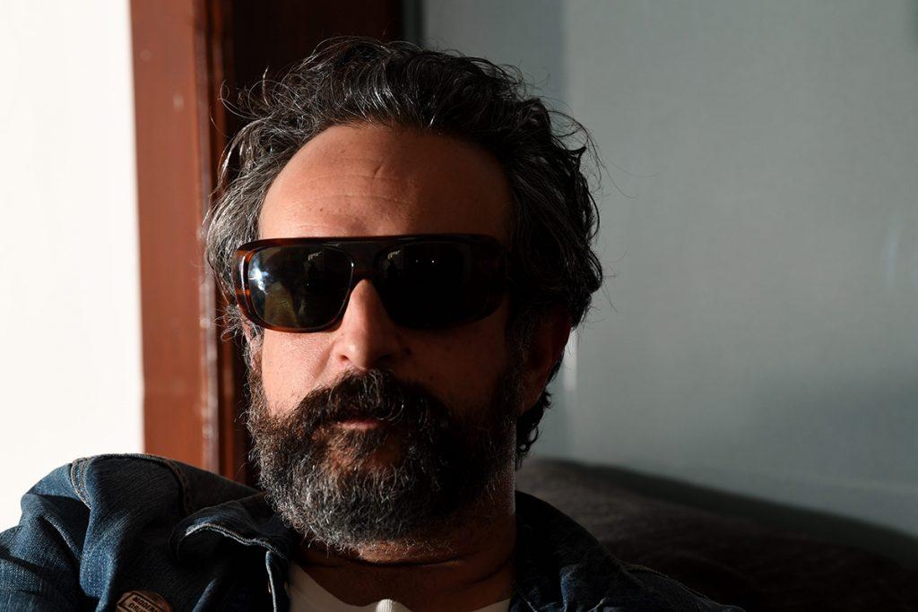 """Tito Fuentes, de Molotv, es """"el imbécil de la moto"""""""
