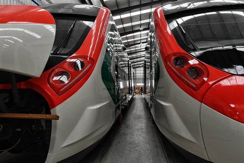 FOTOS: La construcción del Tren Interurbano