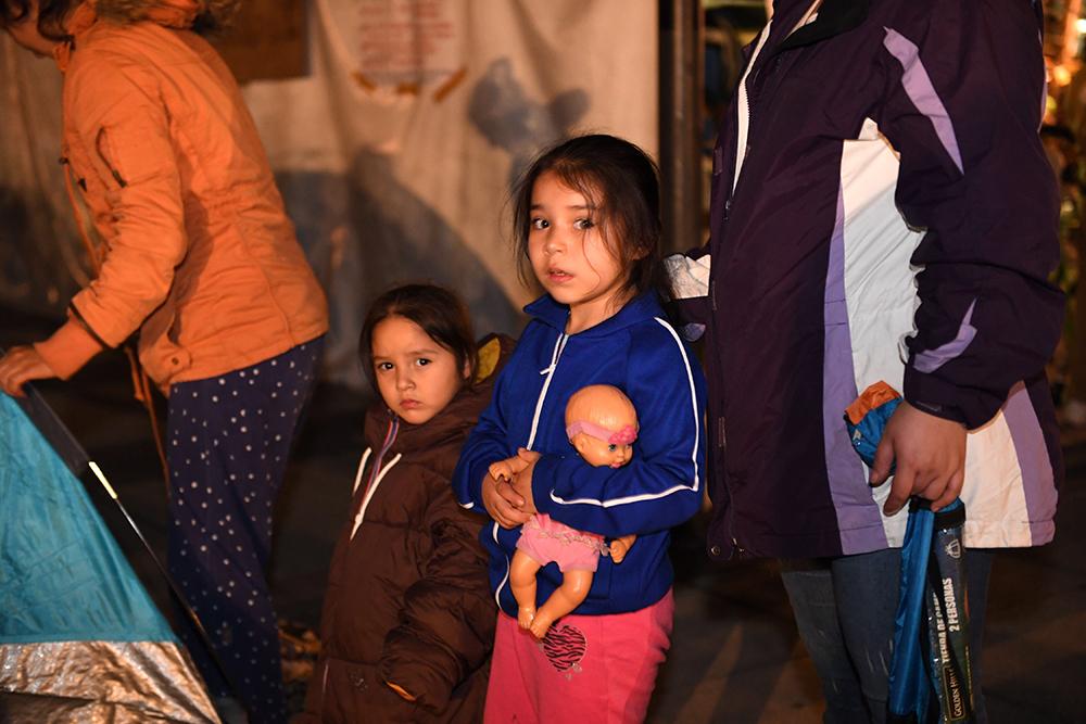 FOTOS: Así transcurrió la noche en la CDMX tras el sismo